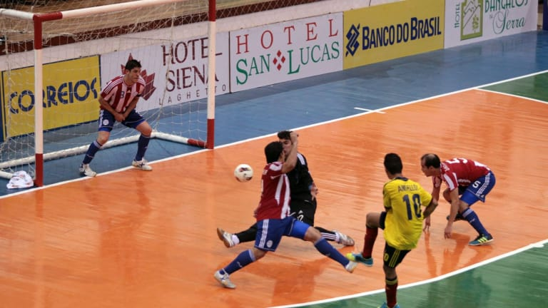 difference in the rules of futsal and football