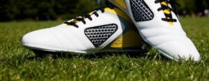Test of the 6 best football shoes